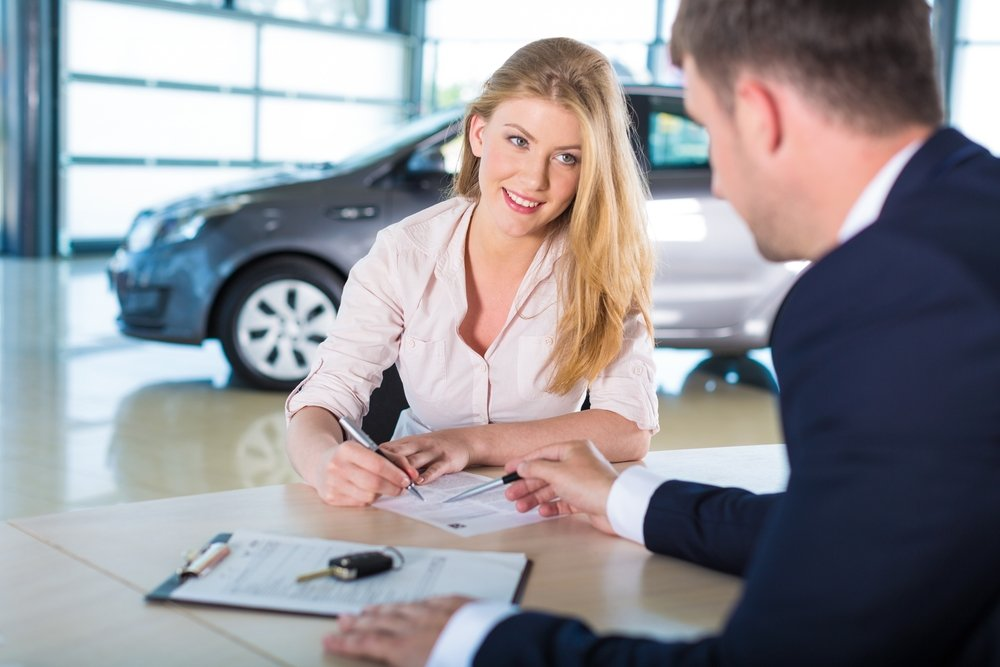 Lady enquiring on a Consumer Car Loan