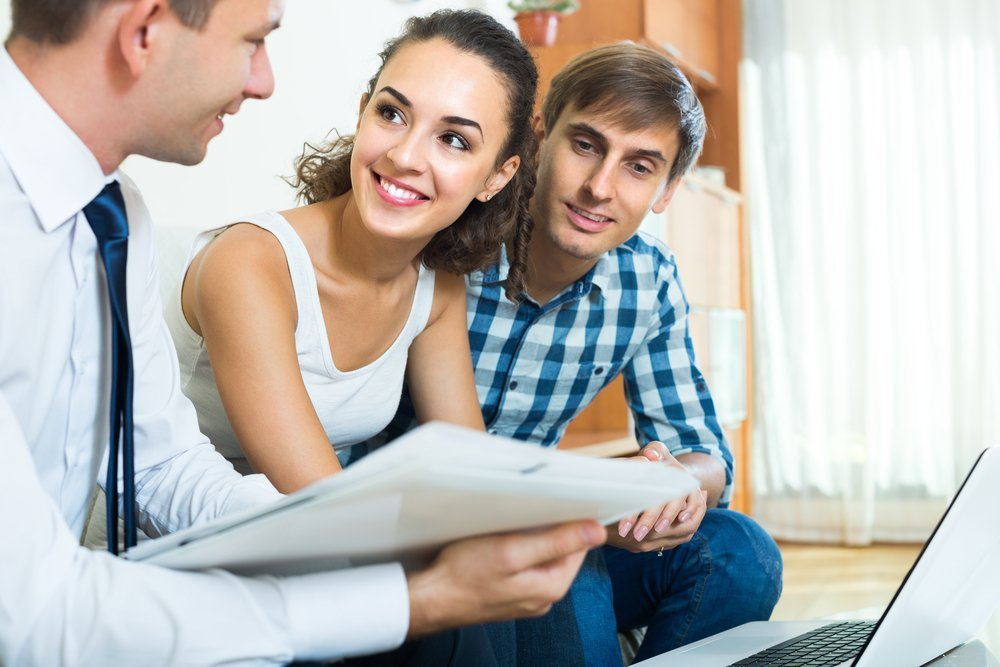 Couple enquiring about Personal Consolidation Loans